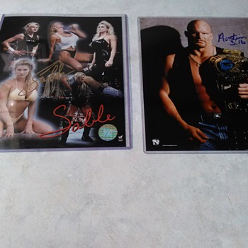 STEVE AUSTIN AND SABLE SIGNED PHOTOS