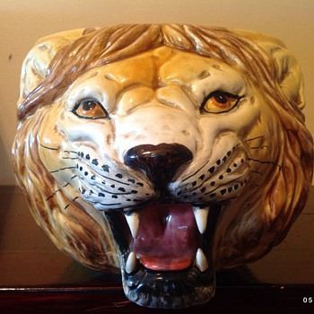 Lion head  flower pot