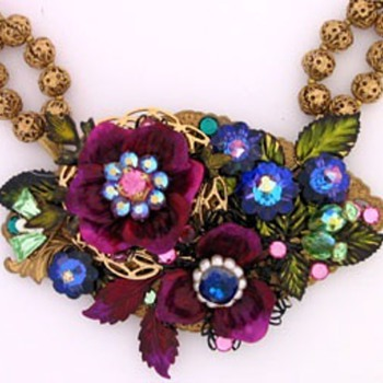 Multi colored centerpiece necklace and earrings - Costume Jewelry