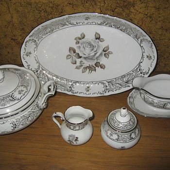 Bavarian CHina serving for 12 - China and Dinnerware