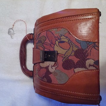vintage fiona disney purse