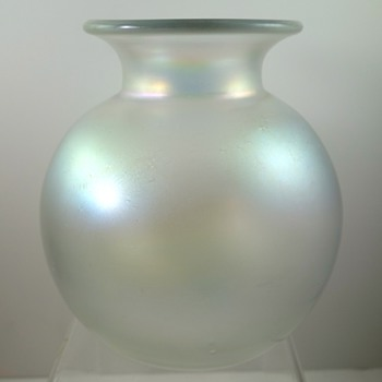 Loetz Candia Glatt ball vase, PN II-5579, ca. 1908 - Art Glass