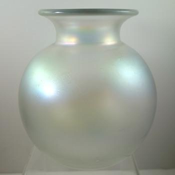 Loetz Candia Glatt ball vase, PN II-5579, ca. 1908