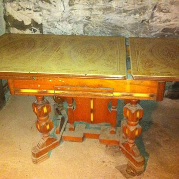 1939 american table, with Tin slide top & carved wood base&legs - Furniture