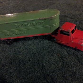 Tootsietoy Truckline Diecast Truck