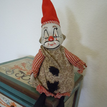 Old Musical Clown. Circa????? - Dolls