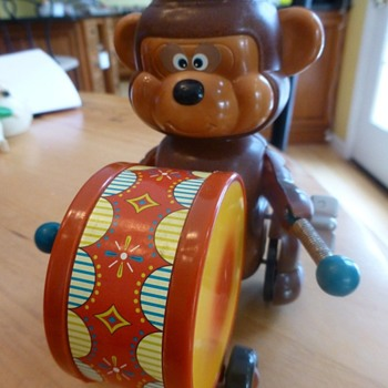 Russ Berrie Bear playing Drum - Toys