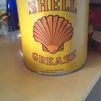 Old Shell Grease Can - Petroliana