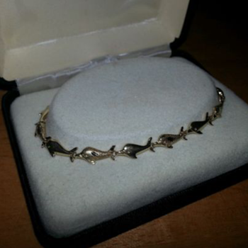 Diamond cut and polished 14k gold dolphin bracelet - Fine Jewelry