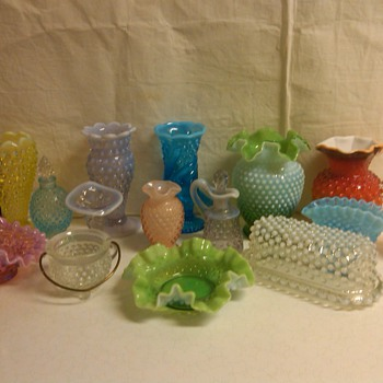 rare pieces of fenton hobnail  - Glassware