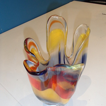Help me identify.. Murano vase maybe?  - Art Glass