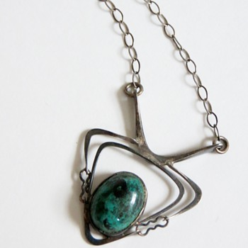 Vintage 60's? Atomic Style Pendant on 925 Chain~Green Stone, Cool & Quirky