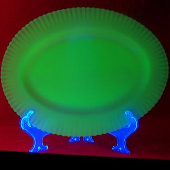 Pre 1940 Monax Petalware Platter - Glassware