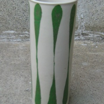 Frank Mann Vermont stoneware vase