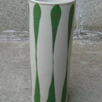 Frank Mann Vermont stoneware vase - Art Pottery