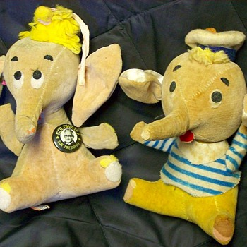 1960s Dakin Dream Pet Elephants  - Toys