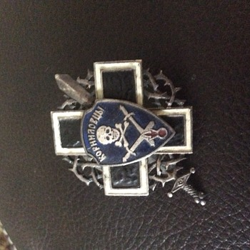 Possible white Russia  badge?