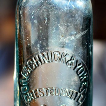 Oreschnick & Yokes, Crested Butte, Colorado Hutchinson Soda bottle, 1902