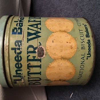 "Vintage ""Uneeda Bakers"" Butter Waffers Tin Can"