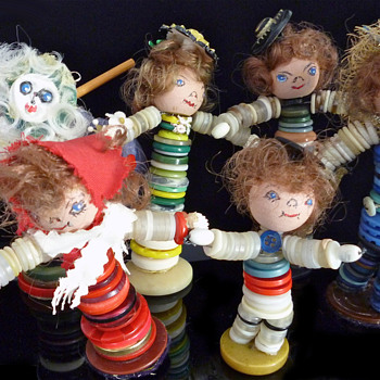  Button Dolls-Mystery maker