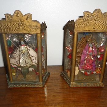 Religious small cabinet with Saints