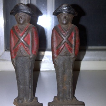 British soldier (cast iron)