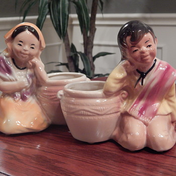 Shawnee Pottery Mexican Boy & Girl