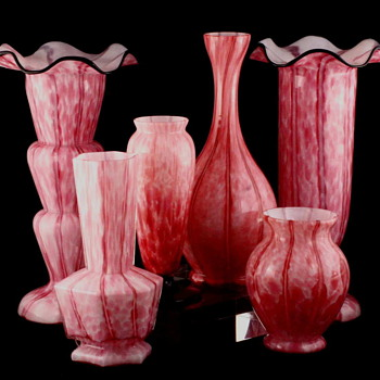 A Vase in Three Colors and Clear Glass in a Nice Shape - Art Glass