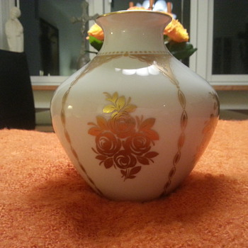 German Vase Hutchenreuther 1814  - Art Pottery