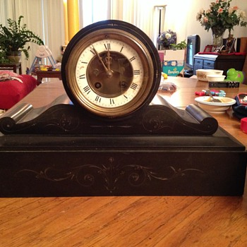 Help: Mistery antique clock