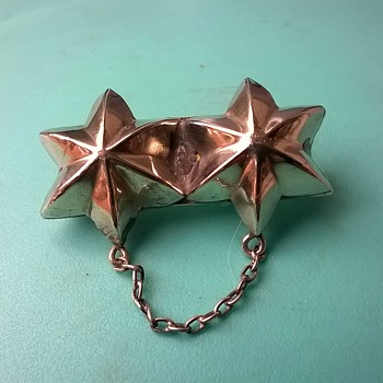 Peculiar Victorian Double Star Silver Brooch