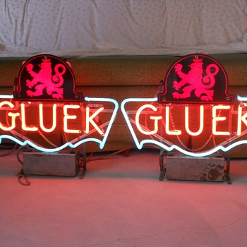 1940's Gluek neon beer signs - Breweriana