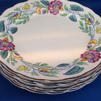 Set of small plates - China and Dinnerware