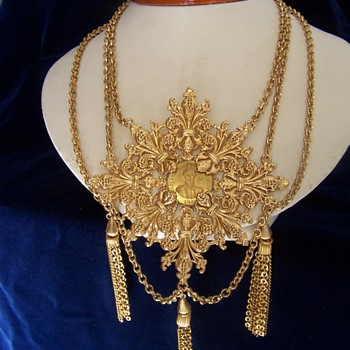 Napier - Costume Jewelry