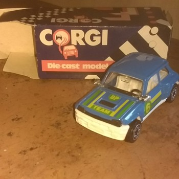 Corgi 1985 Made in Swansea, Wales UK Renault 5 boxed and unplayed with.