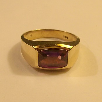 "More ""Vintage"" Male 10k Ring with Stone"