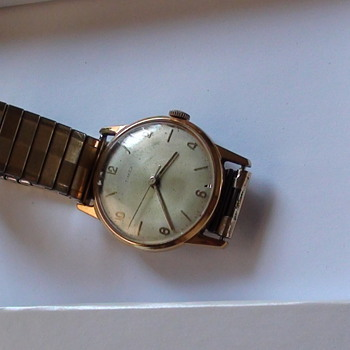 TIMEX Men Watch Do not know if is gold Fill or Real Gold and can somebody know which Year? - Wristwatches