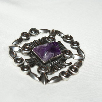 Mexican Vintage Brooch with Carved Amethyst