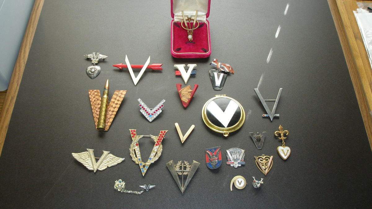 ww 2 v for victory sweetheart jewelry collectors weekly