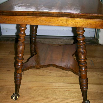 1894 table with Label for BuzzBuzz  - Furniture