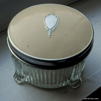 Vintage Powder Box - Accessories