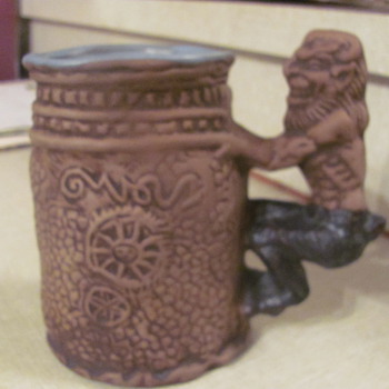 "Rumph ""peeping tom""  art pottery mug"