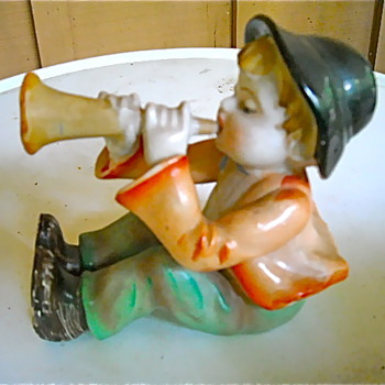 Just playing the horn - Art Pottery