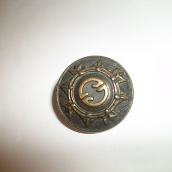 military uniform button? canadian?