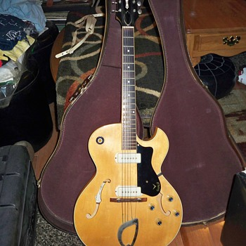 1960 guild accustic electric T-100-B-D-P