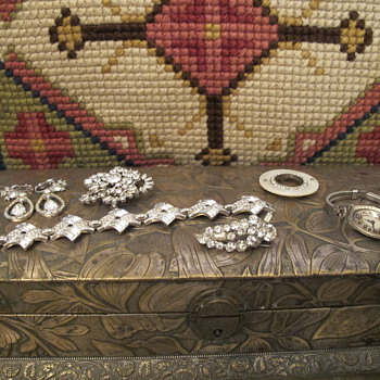 Great Costume Jewelry from Grandma &amp; Aunt - Costume Jewelry
