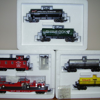 More Marklin collector sets in HO.