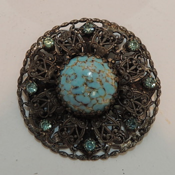Costume Jewelry - Brooch - Costume Jewelry
