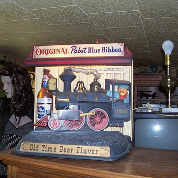 Fav. Pabst beer mechanical/lighted train sign - Breweriana