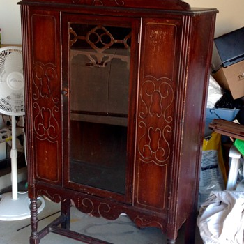 Vintage China cabinet - Furniture